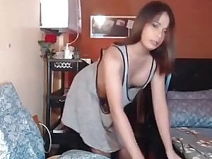 Brunette dickgirl posing solo - xxx webcam video