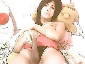 Beauty Tranny Masturbates Her Dick