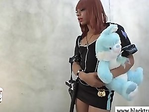 Ebony tranny shemale gets cocksucked