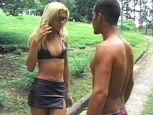 Young shemale Dany gets sex adventure outdoor