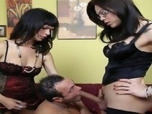 The first scene from two new Nobili's actresses. In a high class country villa a great threesome can take place with a Rome's guy.
